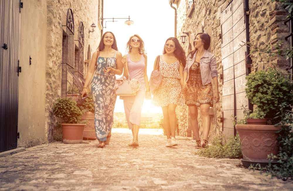 Girlfriends in Italy